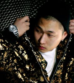 """K-hip-hop came to forefront of the news when Swings pushed the first domino by releasing """"King Swings,"""" a track intending to have a similar effect as that of Kendrick Lamar's feat… Kpop Rappers, Korean Entertainment, Kendrick Lamar, Korean Celebrities, Swings, Indigo, Hip Hop, Moon, Music"""