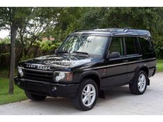 Land Rover Discovery, I remember the first time I layed my eyes on this beauty! 2003 Land Rover Discovery, Discovery 2, Land Rover Td5, Land Rovers, Land Rover Models, Best 4x4, Car Pictures, Car Pics, Range Rover