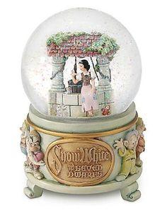 Disney Exclusive Snow White Wishing Well Snowglobe
