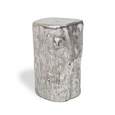 Origin Small Silver Log Side Table (¥39,840) ❤ liked on Polyvore featuring home, furniture, tables, accent tables, decor, silver leaf furniture, log home furniture, log end table, log furniture and log side table