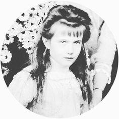 Anastasia Nikolaevna, 1910 by lovelyotma from Instagram