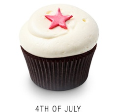 After watching DC Cupcakes, I couldn't wait to go to Georgetown Cupcakes! Their classic strawberry was pure divinity with real strawberry in the cake and pureed strawberry frosting.