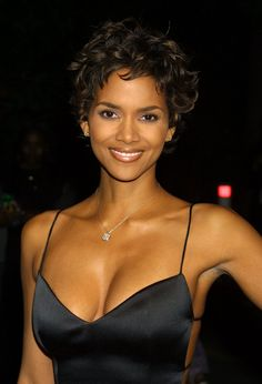 Halle Berry Beauty Looks Through the Years | POPSUGAR Beauty