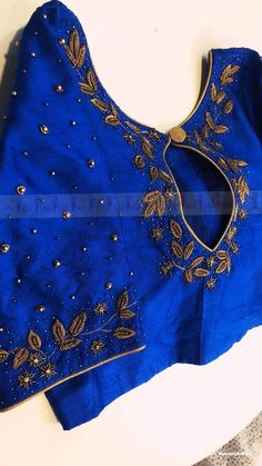 Order contact my whatsapp number 7874133176 Hand Work Blouse Design, Simple Blouse Designs, Stylish Blouse Design, Fancy Blouse Designs, Blouse Neck Designs, Kerala Saree Blouse Designs, Wedding Saree Blouse Designs, Designer Blouse Patterns, Maggam Works