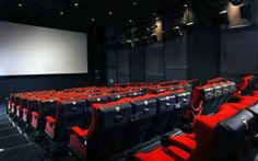 4DX - Seoul 4 dimension movie theatre with touch smell effects
