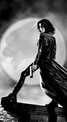 """Len Wiseman's """"Underworld"""" with wonderful Kate Beckinsale and Bill Nighy . this first of the series is still one of the best """"modern"""" vampire movies. Underworld Selene, Underworld Movies, Underworld Vampire, Fantasy Movies, Sci Fi Fantasy, Movie Characters, Female Characters, Movies Showing, Movies And Tv Shows"""