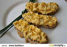 Pomazánka z hokkaido dýně, s pažitkou a křenem recept - TopRecepty.cz Czech Recipes, Ethnic Recipes, Healthy Cooking, Cooking Recipes, Vegetarian Recipes, Healthy Recipes, Pumpkin Recipes, Pesto, Great Recipes