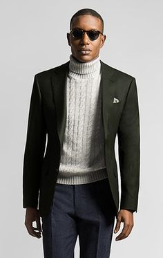 See how to pull off the turtleneck with suit look with ease and style. Also see outfit ideas on how to wear a turtleneck and blazer. Gents Fashion, Mens Fashion Suits, Gentleman Fashion, Mode Masculine, Paseo San Francisco, Turtleneck And Blazer, White Turtleneck, Green Suit Jacket, Mens Green Blazer