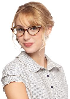 See Eye to Cat-Eye Glasses in Tortoiseshell. Make your fabulous outlook on life clear to all when you don these darling cat-eye glasses. #brown #modcloth