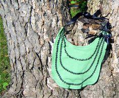 DIY Necklace Bib | Prudent Baby