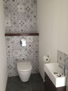 Small bathroom renovations 382031980877597440 - Toilette lave main Source by schmittdavina Small Toilet Room, Guest Toilet, New Toilet, Guest Bath, Bathroom Design Small, Bathroom Layout, Bathroom Interior Design, Bathroom Ideas, Bathroom Mirrors