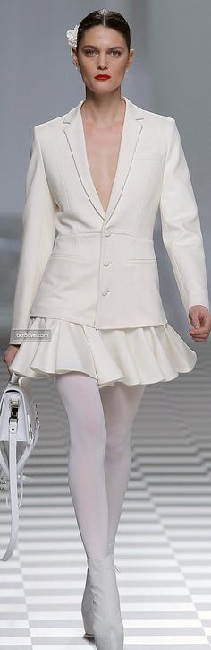 Un saco Blazer de corte impecable del talentoso creador David Delfin FW 2013