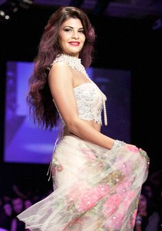 Jacqueline Fernandez: She is a complete glam-doll on the fashion stage #Bollywood #Fashion #Style