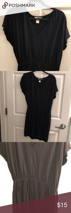H&M Black V-neck Dress Size L Thank you for checking out my listing on this cute and comfy H&M V-Neck Dress!  -Size Large  - 50% cotton 50% modal - Black - no rips, stains, smoke free home - Worn maybe twice- like new condition  - elastic waist fives your waist definition!  Reasonable offers welcome!  Any questions, Just ask! H&M Dresses Mini