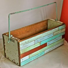A creative way to repurpose wooden boxes!