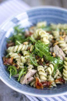 pastasalade, Pasta Pesto al Tonno 03 Pasta Recipes, Salad Recipes, Dinner Recipes, Cooking Recipes, Healthy Recipes, Pasta Penne, Pesto Pasta Salad, Seafood Pasta, Tapas