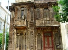 Beautiful- - An Ottoman Architecture and house by TravelPod member Greekcypriot, from Istanbul, Turkey -the surface of the building: faded, antique, is inspiring Abandoned Houses, Abandoned Places, Old Houses, Space Architecture, Historical Architecture, Turkey Travel, Wooden House, Historic Homes, Beautiful Places