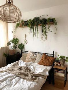 Sage Green Bedroom, Earthy Bedroom, Green Rooms, Green Bedroom Decor, Bedroom Orange, Gray Bedroom, Bedroom Colors, Modern Bedroom, Bedroom Wall