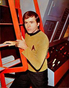 Vintage publicity photo of Walter Koenig as Pavel Chekov from Star Trek Star Trek Chekov, Star Trek Cast, Star Trek Original Series, Star Trek Series, Tv Series, Alien Nation, Science Fiction, Star Trek 1966, Star Trek Episodes