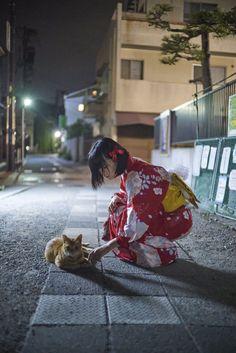 Streets of Japan Pose Reference Photo, Drawing Reference Poses, Drawing Poses, Aesthetic Japan, Japanese Aesthetic, Japanese Kimono, Japanese Fashion, Japanese Outfits, Kimono Japan