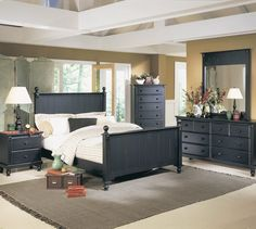 Paint Ideas for Small Bedrooms With Wood Cabinets