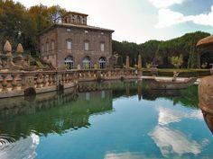 Perla verde d'Italia - Tematicamente la costruzione delle ville è rivolta, anche nei suoi affreschi interni, alla celebrazione di famiglie quali la famiglia Farnese e della famiglia d'Este: un giardino che è simbolo di opulenza e fertilità!