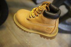 640307f04188 La Mini Yellow Boot à partir du 26 à Rouen Les Tout Petits