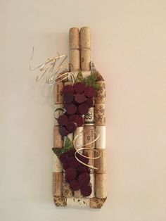 Wine stopper decor … you choose the size and decoration added to … Wine Cork Candle, Wine Cork Wreath, Wine Cork Ornaments, Wine Cork Art, Wine Bottle Art, Wine Bottle Crafts, Wine Corks, Wine Bottles, Wine Craft