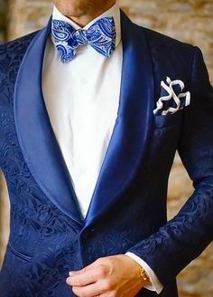 What a dinner jacket. The S by Sebastian Dinner Jacket line is something else. All come with a Sebastian Cruz Couture handmade pocket square. Get ready to be bold. alles für Ihren Erfolg - www. Gentleman Mode, Gentleman Style, Royal Blue And White Suit, Navy Blue, Mens Fashion Suits, Mens Suits, Womens Fashion, Costume Smoking, Traje A Rigor