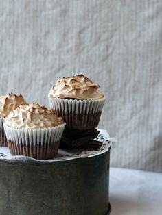 Mocha Meringue Cupcakes - Top With Cinnamon