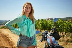 Your source for all things Oksana Astankova (Villanelle) from the BBC America series Killing Eve and the actress who plays her, Jodie Comer. The Americans, Keri Russell, Cersei Lannister, Walter White, Millie Bobby Brown, Phillip Lim, Her Style, Cool Style, Eve Costume