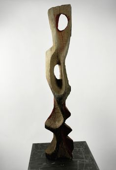 Wooden Totem / Tommaso Pellegrini