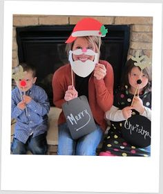 Such a cute idea!  No more boring photos  Christmas Photo Props | live and luv