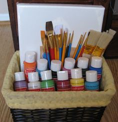15 Wonderfully Creative Gifts for Artists cute kid gift idea – an art gift basket with canvas, brushes and paints www. Diy Gift Baskets, Raffle Baskets, Gift Basket For Men, Gift Baskets For Kids, Gift Basket Ideas, Fundraiser Baskets, Homemade Gift Baskets, Craft Gifts, Gifts For Kids