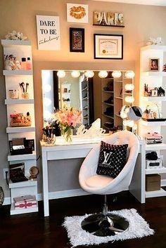 New ideas makeup vanity decor beauty room mirror Room Ideas Bedroom, Bedroom Decor, Bedroom Furniture, Bedroom Storage, Bedroom Inspo, Deco Furniture, Bedroom Designs, Storage Mirror, Furniture Design