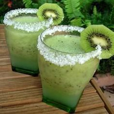 Kiwi Margarita for this summer at the pool..