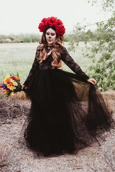 Day Of The Dead Red Rose Flower Crown Gold Halo Crown Bridal Crown Crown Headband Flower Headdress Sugar Skull Costume Maquillage Halloween, Halloween Makeup, Halloween Party, Mexican Halloween Costume, Classy Halloween Costumes, Scarecrow Makeup, Red Rose Flower, Flower Crown, Red Roses