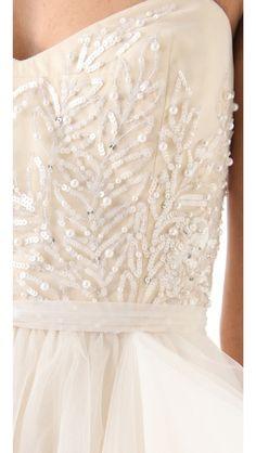 #gorgeous detailing  #dress #new #fashion #nice  www.2dayslook.com