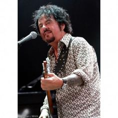 Steve Lukather Talks Toto and More on http://www.musicnewsnashville.com/steve-lukather-talks-toto/