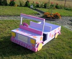 coloful-pallet-garden-jeep-sculpture.jpg (960×785)