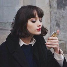 ナチュラルで自然体なのに女性らしい。そんな魅力的なパリジェンヌたちはの美しさの秘密に迫ります♡フランス流のメイク方法やスキンケア…