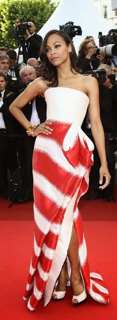 Interesting draping of the dress on Zoe Saldana ! Love the fabric.