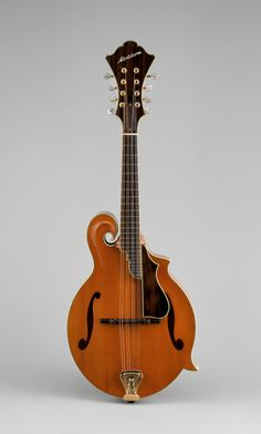 Mandolin by John Monteleone. Read about it and other archtop instruments at The Met. http://www.metmuseum.org/toah/hd/argu/hd_argu.htm