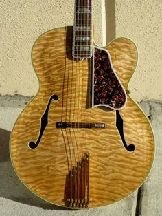gibson guitars Gibson L 59 Reissue 1983 Quilted Maple Guitar For Sale Guitarbroker Rare Guitars, Unique Guitars, Vintage Guitars, Archtop Guitar, Fender Stratocaster, Epiphone, Acoustic Guitars, Jazz Guitar, Guitar Room