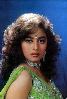 Indian Bollywood Actress, Bollywood Girls, Vintage Bollywood, Beautiful Bollywood Actress, Beautiful Girl Photo, Beautiful Girl Indian, Most Beautiful Indian Actress, Most Beautiful Women, Beautiful Figure