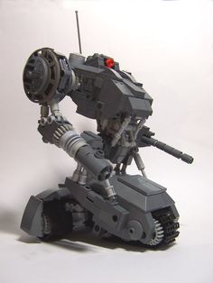Andrew Lee's formidable killing machine based on a concept art leaves us screaming… for more that is. An accomplished space and mecha builder, Andrew's latest work takes on an innovative mech design that's not often seen among the myriad of bipeds out there.