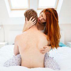 Que tal tentar maneiras sensuais e divertidas de se excitar e deixar seu(sua) parceiro(a) instantaneamente louco(a) por você? Aqui estão dicas de como realmente apimentar as coisas...