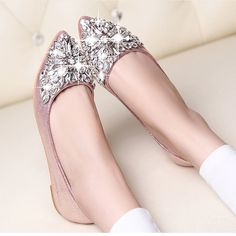 11.05$  Watch now - http://alihfy.shopchina.info/go.php?t=32809427294 - new women Ballet leisure autumn Moccasins pointy fashion ballerina Rhinestone drill shiny flats loafers shoes princess Crystal  11.05$ #buyininternet