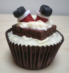 Creative cupcake idea for Christmas! (wow that's a lot of c's lol try saying that ten times fast! )