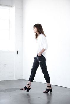 Fashion Style Women : Simple Classic Style, Minimal Fashion Style
